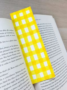 Creative Bookmarks, Diy Bookmarks, Diy Ideas, Craft Ideas, Watercolor Bookmarks, Arts And Crafts, Diy Crafts, Book Marks, Craft Work