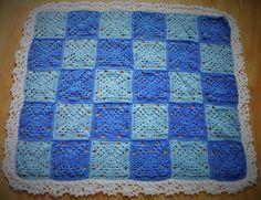 Gehäkelte Babydecke Baby blanket Granny Square Handarbeit
