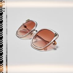 Looking for a feminine frame that makes the most of the transparent trend? Chic up your look in this pink Coach style with flower details. Women's Sunglasses, Mirrored Sunglasses, Dope Fashion, Eyewear, Feminine, Shapes, Flower, Chic, Stylish