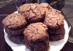 csokis zabpehely keksz Diabetic Recipes, Paleo, Cookies, Chocolate, Food, Crack Crackers, Biscuits, Schokolade, Beach Wrap
