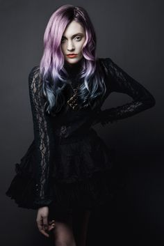 I would love for my hair to look like this...but I don't think I could ever get it to bleach light enough.
