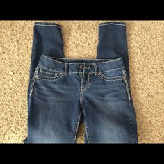 Maurice's Jeggings Sz med Jeggings barely wore. Stretch fit skinny jeans. Maurices Jeans Skinny