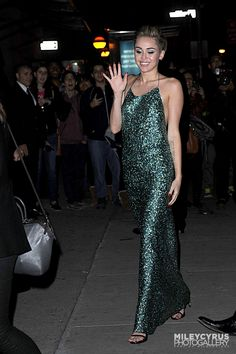 Shining 💚🦋☄️ ~i miley mileyraycyrus mileycyrusforever mileycyrustongue mileyray mileyraycyrusfan Miley Cyrus Outfit, Prom Dresses, Formal Dresses, Street Style, How To Wear, Outfits, Fashion, Dresses For Formal, Outfit