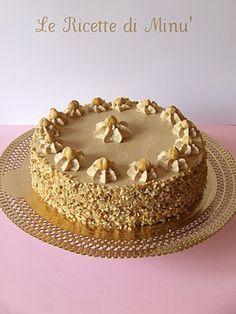 Chantilly cake with hazelnut – Torta Chantilly alla Nocciola - Il Goloso Mondo di Minu' Super Torte, Raspberry Torte, Blog Patisserie, Glaze For Cake, Cake Recipes, Dessert Recipes, Chocolate Torte, Torte Cake, Sweet Pastries