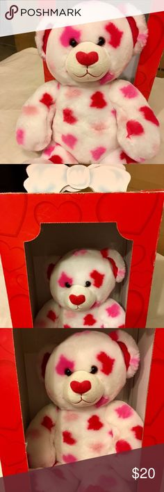 Heart Shaped Build A Bear ❤️ Perfect for the upcoming Valentines Day or Love Day lol!! 😉 Still in his original box along with his birth certificate. However, I don't think anyone would want the birth certificate being that it was a gift from my ex boyfriend to me lol. 🤣 Súper super cute gift for all ages!! ❤️❤️❤️ Build A Bear Other