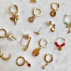 Earcandy 15 € each. See link to shop ✨✨✨ earrings Earcandy 15 € each. See link to shop ✨✨✨ earrings Black Diamond Studs, Black Diamond Earrings, Red Earrings, Rose Gold Earrings, Crystal Earrings, Jewellery Earrings, Gold Jewellery, Hoop Earrings, Cute Jewelry
