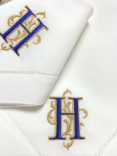Signature Venezia Monogramed Napkins, Placemats and Guest Towels Embroidery Fonts, Custom Embroidery, Machine Embroidery Designs, Embroidery Patterns, Hand Embroidery, Monogrammed Napkins, Personalized Napkins, Linen Napkins, Monogram Towels