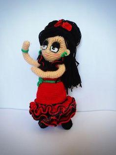 Muñeca Flamenca Amigurumi por SiFerBe en Etsy, €29.95