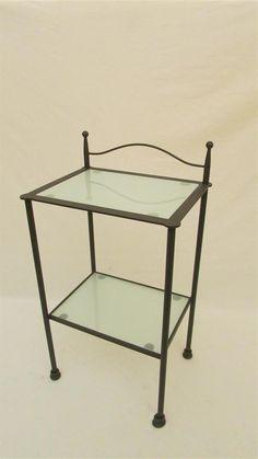 Risultati immagini per comodini ferro battuto e cristallo | Comodini ...