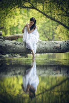 -- Can you feel the peace in this picture?  The calm in the reflection?  Totally alone but completely relaxed!