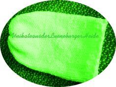 XXL Beaniemütze .. neon-grün ... Warnmütze von KiKiWanda auf DaWanda.com