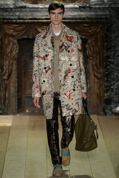 VALENTINO, Printemps 2015 (Paris Fashion Week HOMMES) | L'Entre-Deux by FASHIZBLACK.com
