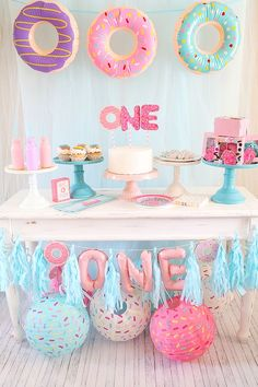 Donuts are always a fun theme for a birthday party! I love donuts (more than I should) so when I saw all the cute Donut Party Supplies available I jumped at the chance to style a f Donut Party, Donut Birthday Parties, December Birthday Parties, Birthday Cakes, First Birthday Themes, 1st Birthday Girls, First Birthday Decorations, Birthday Ideas For Girls, 1st Birthday Party Ideas For Girls