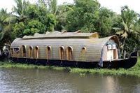 From Cochin sightseeing to exploring the Periyar National Park, wonder at the backwaters and canals landscape. Kumarakom is for nature lovers, while Alleppey is good for sunbathing and boating. Cruise in country boats, enjoy traditional dinners and massage.