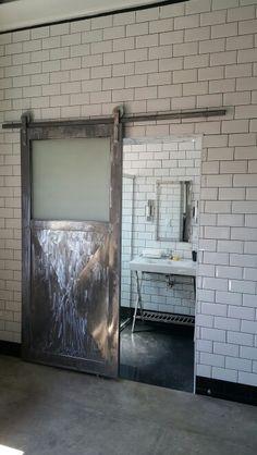 Porta de ferro banheiro