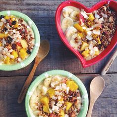 Mango lassi smoothie bowls to make the lovely @lucialitman (the voice behind @sweetgreen) and friends at @juicepress #breakfastcriminalized! Topped with homemade Brazil nut chocolate granola. The heart bowl will be available for ya'll next week ❤️ find the recipe on www.breakfastcriminals.com