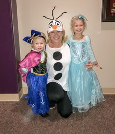 Frozen costumes for the entire family. Frozen costume for kids and adults. Adult Anna Costume, Frozen Halloween Costumes, Anna Frozen Costume, Olaf Halloween Costume, Couple Halloween Costumes For Adults, Family Costumes, Frozen Costume Toddler, Diy Costumes, Mouse Costume