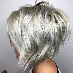 70 Overwhelming Ideas for Short Choppy Haircuts Choppy Silver Blonde Bob Edgy Bob Hairstyles, Short Choppy Haircuts, Layered Haircuts, Haircut Medium, Haircut Short, Curly Haircuts, Reverse Bob Haircut, A Line Haircut, Latest Hairstyles