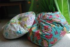 Bean Bag Chair Cover Tutorial using this to make stuffed animal storage for bu Girls Desk Chair, Diy Bean Bag, Bean Bags, Eames Chair Replica, Stuffed Animal Storage, Stuffed Animals, Toddler Room Decor, Bean Bag Covers, Cool Chairs