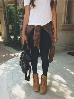 Las camisas de franela son un must súper fashion que toda chica se debería  regalarse. d4a312fe91c21