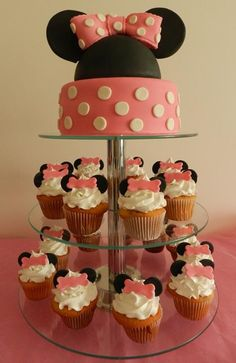 Minnie cake and cupcakes