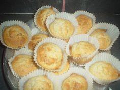 Muffins de Banana com Canela - Minhas Receitas Económicas: 25 minutos Bananas, Muffins, Breakfast, Yule Log, Canela, Recipes, Ideas, Cakes, Food Cakes
