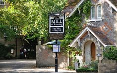 HOUSES OF THE RICH AND FAMOUS: George and Amal Clooneys Mill House in Sonning Eye, Oxfordshire