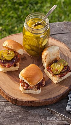 Pork Tenderloin Sliders ~ Who knew you could pack so many flavors into a little Hawaiian Roll? I Love Food, Good Food, Yummy Food, Pork Recipes, Cooking Recipes, Healthy Recipes, Great Recipes, Favorite Recipes, My Burger