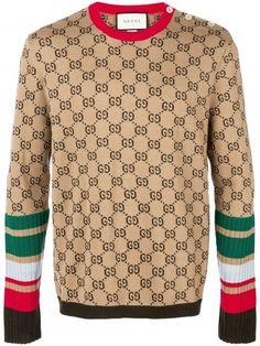 Gucci logo intarsia knitted jumper - Mens Gucci - Ideas of Mens Gucci - Gucci logo intarsia knitted jumper Gucci Sweater Mens, Men Sweater, Versace Sweater, Gucci Fashion, Urban Fashion, Mens Fashion, Street Fashion, Cute Sweaters, Wool Sweaters