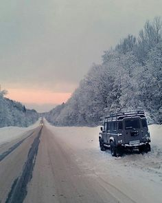 Land Rover Defender 110 Td4 snow time.