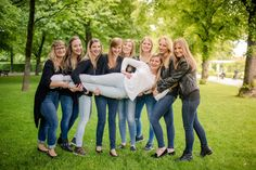 Bachelorette party in Munich, Germany #bachelorette #photoshoot #jga #junggeselinnenabschied Passion Photography, Friend Photos, Once In A Lifetime, How To Take Photos, Your Best Friend, Party, Bachelor, The Incredibles, Photoshoot