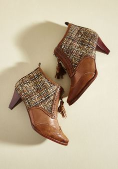 Wants and Tweeds Heel. When your desires and imperatives align, it's a beautiful thing. #brown #modcloth