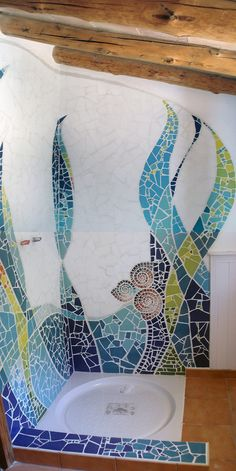 Mosaic on the wall. I invite you to visit the process of this mosaic for a priv . - Mosaic on the wall. I invite you to visit the process of this mosaic for a priv … Mosaic on the wall. I invite you to visit the process of this mosaic for a priv … Mosaic Bathroom, Mosaic Wall Art, Mosaic Diy, Mosaic Garden, Mosaic Crafts, Mosaic Projects, Mosaic Glass, Mosaic Tiles, Stained Glass