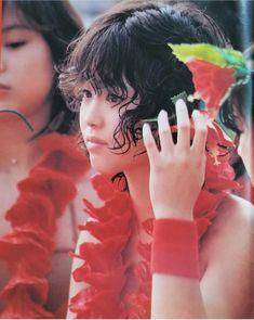 Showa Era, Vintage Japanese, 80s Fashion, Pretty People, Idol, Dreadlocks, Beautiful Women, Singer, Actresses