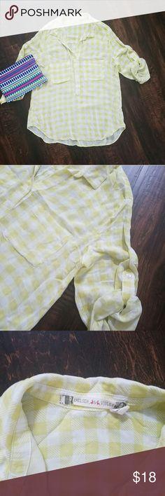 Chelsea & Violet blouse Yellow gingham hilo blouse.  Great conditon Chelsea & Violet Tops Button Down Shirts