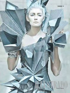 Architectural Avant Garde - dress inspired by Kinemax Futuroscope in Poitiers, France by Dan Delima; photo by Eros Goze; Paper Fashion, Origami Fashion, 3d Fashion, Trendy Fashion, Fashion Show, Fashion Design, Fashion Terms, Fashion Details, Geometric Fashion