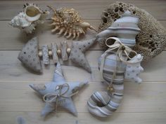 Sewing Toys, Sewing Crafts, Sewing Projects, Beach Crafts, Diy And Crafts, Deco Marine, Fabric Fish, Shell Decorations, Quilting For Beginners