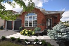 3 Bedroom, 2 Bath Bungalow. 1828 Heatherstone Cres, Springridge, Ottawa, ON