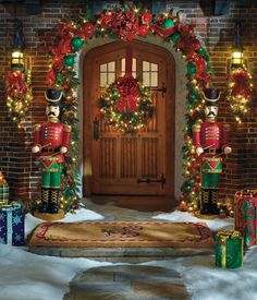 A Welcoming Holiday Entryway in Four Easy Steps | Frontgate Blog