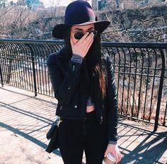 All black outfit. pinterest: xpuzzlepieces