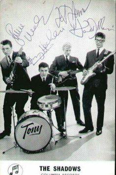 Blue Soul, Hank Marvin, Mark Knopfler, Recorder Music, British Invasion, Concert Posters, Music Artists, Rock Bands, Rock N Roll