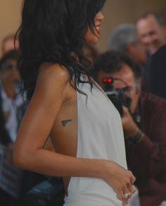 Rihanna gun