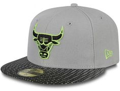 Reflect Dot Chicago Bulls 59Fifty Fitted Cap by NEW ERA x MLB