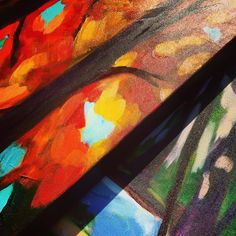 So many talented artists @mardagrasyyc, including Alison Philpotts (www.philpottspaintings.com). #yycartists #sixfootcanasian #6FCA #yycevents