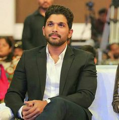 Allu Arjun Wallpapers, Telugu Hero, Allu Arjun Images, I Love Him, My Love, Actors Images, Handsome Actors, 2020 Design, Hd Photos