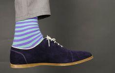 Les chaussettes colorées envahissent le monde de la mode. Mais si certains hommes osent franchir le pas, la faute de goût n'est jamais loin !