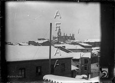 Vista de la catedral y parte de la ciudad nevada. Santos Baso Simelio. Huesca