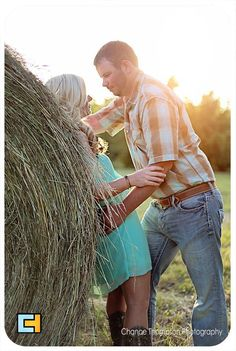 Engagement Pictures, country engagement pictures. Nevada MO