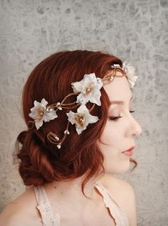 White & gold floral hair piece