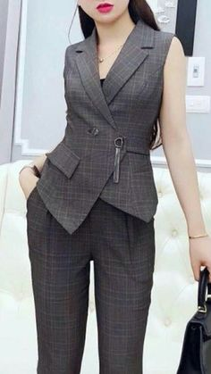 Maxi Coletes Neopren, in 2020 Blazer Fashion, Suit Fashion, Fashion Dresses, Fashion Black, High Street Fashion, Suits For Women, Clothes For Women, Hijab Stile, Elegant Outfit